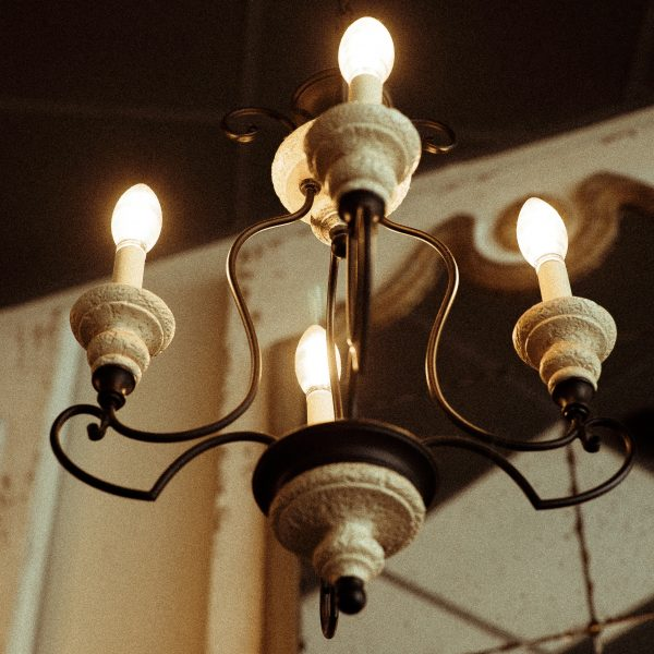 blur-bulbs-chandelier-2777507